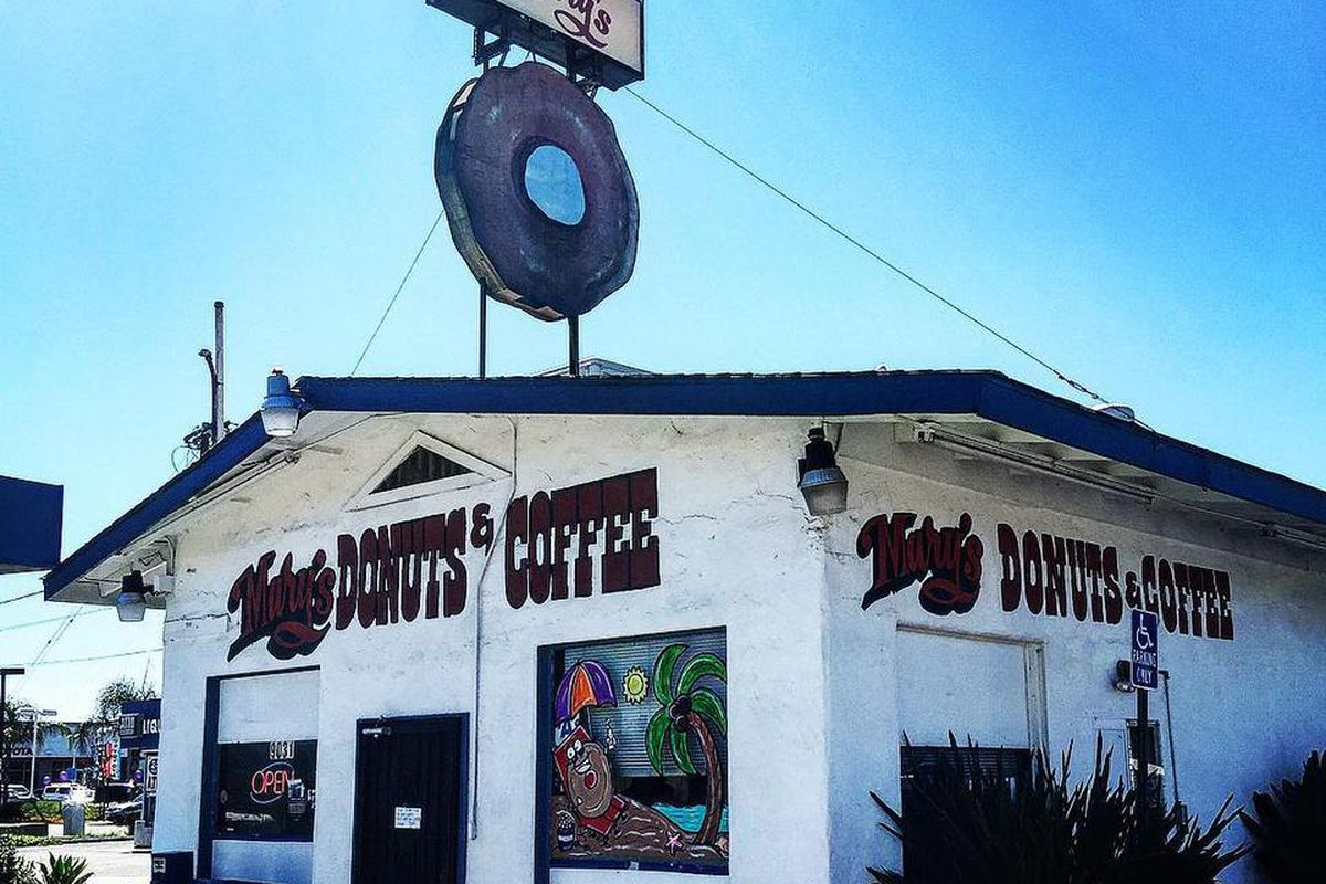 marys donuts and coffee, Original Location